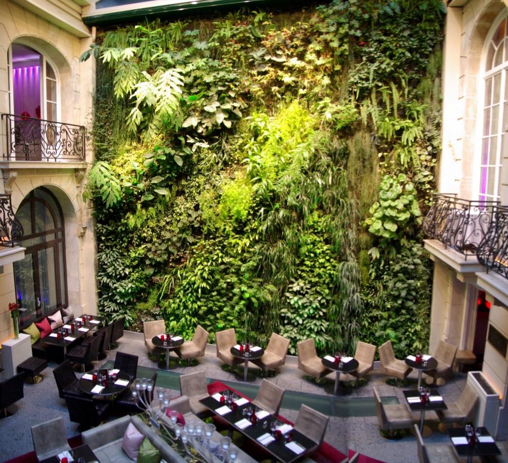 Parigi, Pershing Hall Hotel